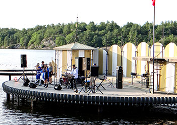Music On The Barge - Gull Lake Gravenhurst